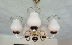 Chandelier in Brass and dark wood, 5 arms