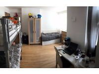 ** ONE BED IN A TRIPLE ROOM TO SHARE !! STEPNEY GREEN (E1 4AH) !! **