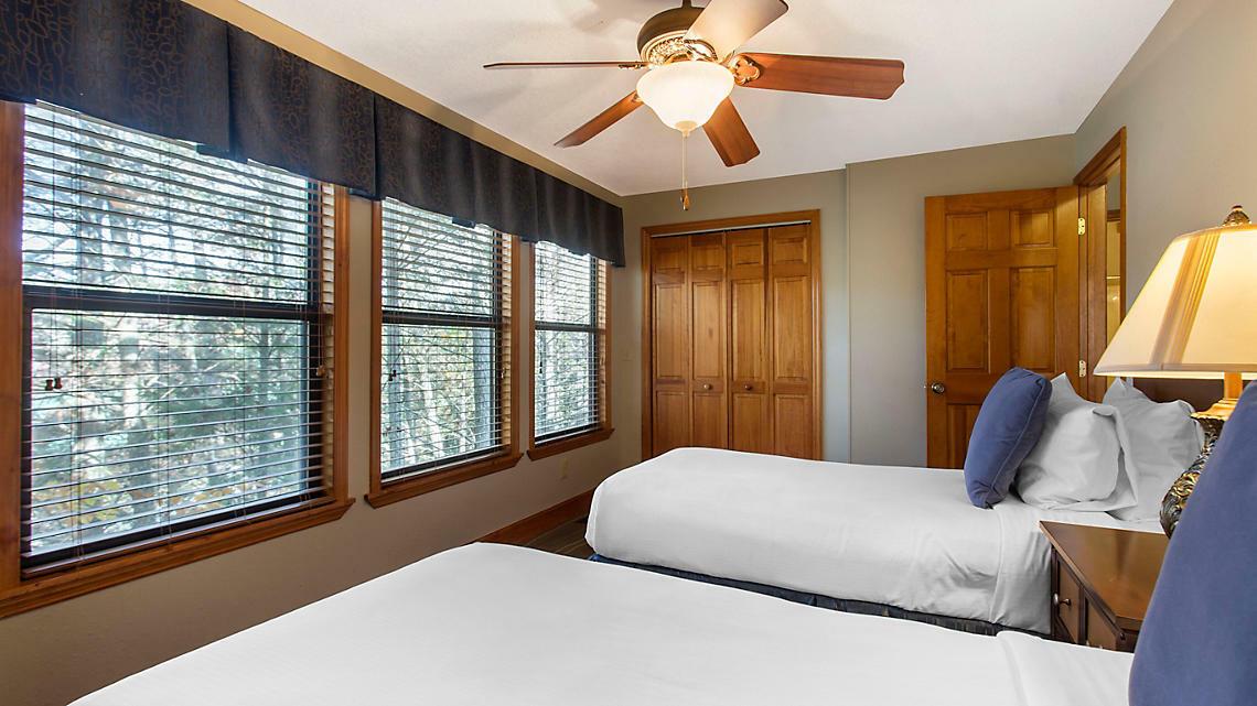 7,000 Points Bluegreen Laurel Crest Resort Timeshare Pigeon Forge TN - $4.25