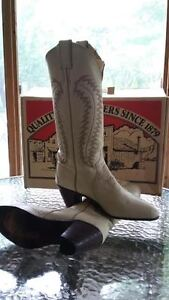 Authentic Western Leather Boots (Justin)
