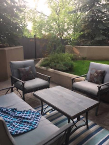 RARE OPPORTUNITY PRIVATE PATIO WITH GREEN SPACE DOWNTOWN CALGARY