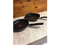 2 Tefl frying pans