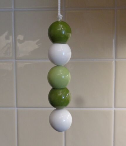 Green-White-5-Ball-Light-Pull-Pendant-with-Cord-Venetian-Blind-Weight