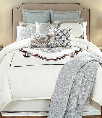 Ivory Queen Size Comforter (NEW NOBLE EXCELLENCE VILLA VALENCIA FULL/QUEEN SIZE 3 PIECE COMFORTER SET IVORY )