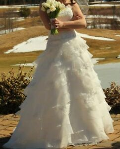 Lace/Tulle Strapless Ruffled A-Line Oleg Cassini Wedding Gown