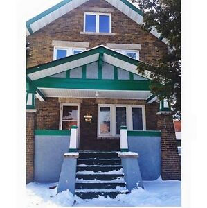 3 Rooms for Student Summer Sublet in Guelph!