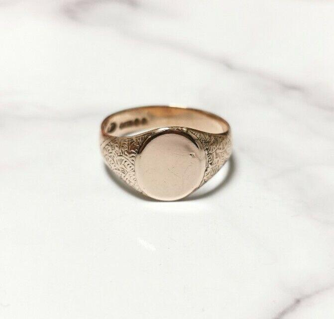 Beautiful Antique Gold Signet Ring