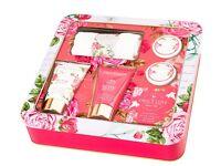 Beautiful Brand New Grace Cole and Baylis & Harding Gift Sets