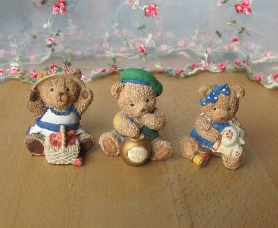3 Balmoral bear ornaments / figurines by Peter Fagan / Colourbox - Collectable