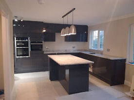 builder is looking for job: painting, tiling, kitchen and bathroom fitting etc