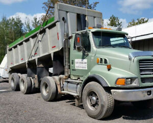 2000 Ford Sterling Triaxle