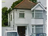 3 bedroom house in Hendale Avenue Hendale Avenue, Hendon, NW4
