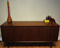 Vintage Mid-Century Zenith Stereo/Record Player