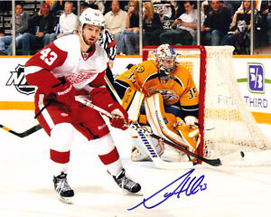 DARREN HELM AUTOGRAPHED SIGNED 8X10 PHOTOGRAPH DETROIT RED WINGS