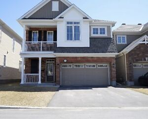 **A MUST SEE!!* EXCELLENT LOCATION**KANATA**