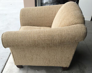 Beautiful Cream Armchair - $150 OBO Kitchener / Waterloo Kitchener Area image 3