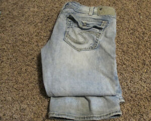 Womens Size 34/31 Silver Bootlegger Tuesday Jeans