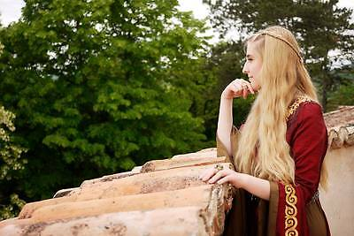 Game of Thrones Cersei Lannister cosplay Image via HollySocks