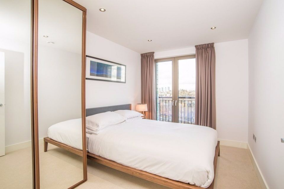 REGENTS CANALSIDE NW1: TWO BEDROOMS, TWO BATHROOMS, FURNISHED, BALCONY, CANAL VIEWS, CONCIERGE