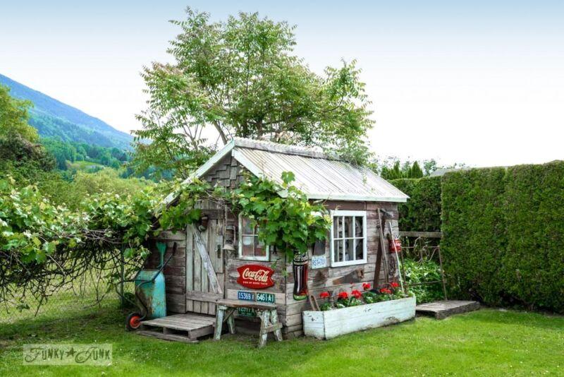 10. Backyard focal point / 10 garden junk art ideas to jazz up your yard! By Funky Junk Interiors for ebay.com