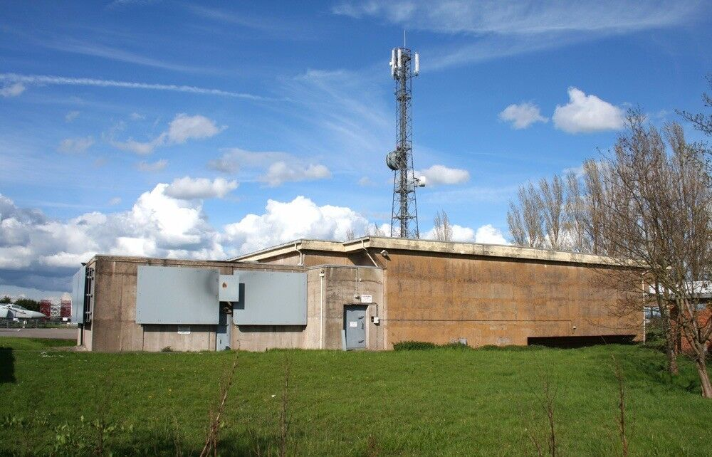 Paranormal Investigation,Hack-green Nuclear Bunker!