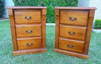 2 x Wooden 3 Drawer Bedside/Side Tables