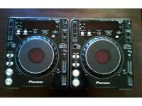 2 x Pioneer CDJs 1000 Mk2