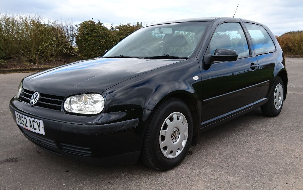 volkswagen golf 1 4 16v mk4 3 door black 2002 52 vw in fochabers moray gumtree. Black Bedroom Furniture Sets. Home Design Ideas
