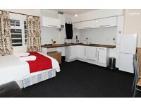 *Modern Short Lets Studio - Kilburn Park. Holiday Rental. Easy Access to all Areas of London**
