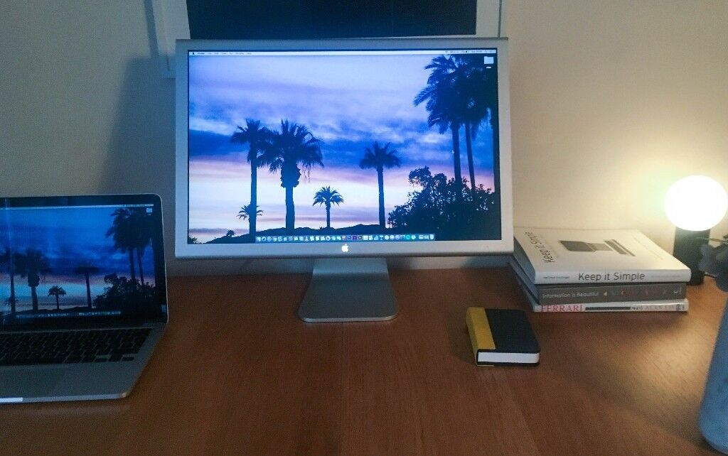 Apple A1082 Cinema HD Display 23-Inch, LCD, GOOD AS NEW, in original box