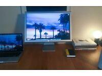 Apple A1082 Cinema HD Display 23-Inch, LCD, GOOD AS NEW, in original box