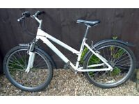 Raleigh Havana Women's Ladies Mountain Bike 17 Inch Frame 18 Shimano Gears Includes 2 Spare Tyres