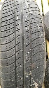 pneu d'été sur mag P155/80R13 Lac-Saint-Jean Saguenay-Lac-Saint-Jean image 2