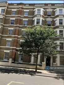 3 bedroom flat in Royal College Street, London, NW1 (3 bed) (#1095903)
