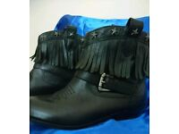 Leather ankle boots size 5 1/2