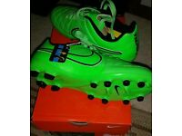 Nike Tempo Leather Football Boots size 3.5uk Junior