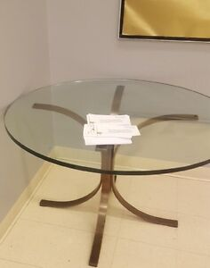 USA Made High End Heavy Glass Round Table
