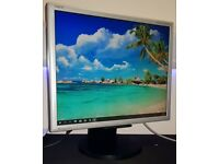 **NEC MULTISYNC LCD1970GX - 19 INCH LCD MONITOR - INCLUDES VGA & POWER LEAD**