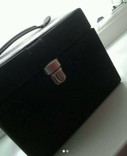 Small Black Jewellery Box Good Conditionin Maidenhead, BerkshireGumtree - A small black jewellery box in good condition, a few un noticable stains, all for a cheap price