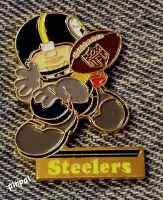 Pittsburgh Steelers~NFL~Huddles Pin~Football~80's vintage~Enamel~over 30 yrs old