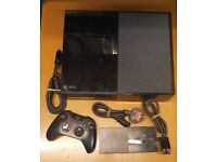 Xbox one 500gb gloss black inc Controller and wires
