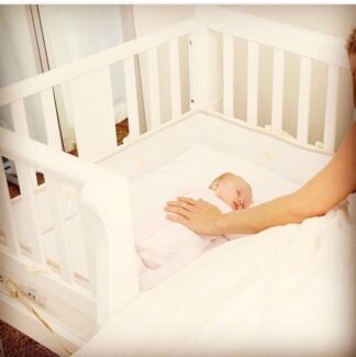 Arms Reach Co-sleeper Cot / Bassinet - new! Elwood Port Phillip Preview