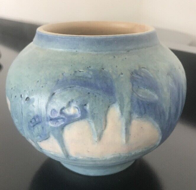 """Newcomb College Pottery Vase 4.25"""""""