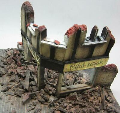 1/35 Scale - WW2 Ruined Shop Front Diorama - Military model