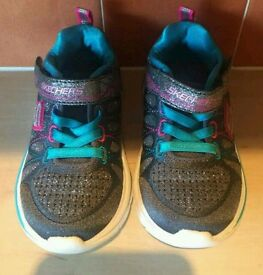 Girls Sparkly Sketchers Shoes/Trainers UK Size 4 Ex Cond