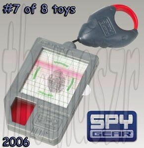 SPY ID toy 7 SPY GEAR McDonalds Wild Planet 2006 Mint