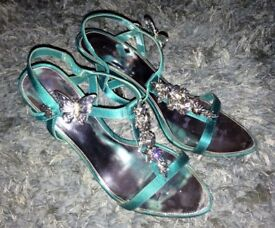 Karen Millen Turquoise Green Opened Toed Shoes with Silver Heel. UK Size 6 EU 39