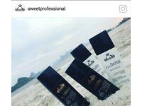 Cabwleireira trabalho com um dos melhores produtos brasileiro o primeiro shampo que alisa sweet.