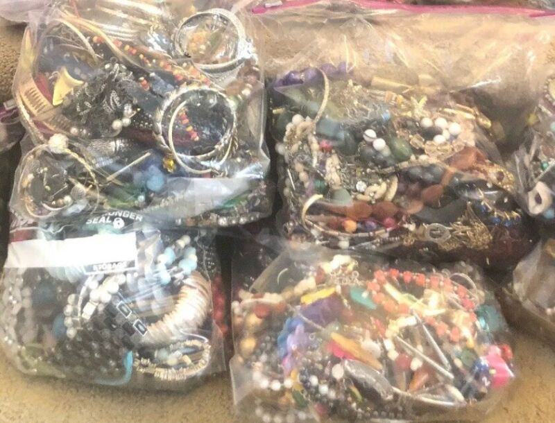 15 Pound Jeweley Lot Unsorted Wearable And Craft Bags. Bags Will Vary.