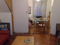 Great double room in clean, well decorated, spacious house.